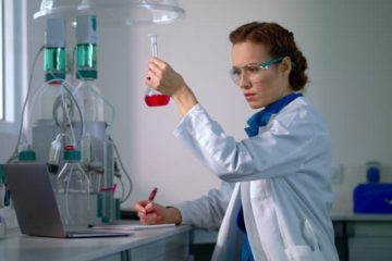 Picture of a female scientist