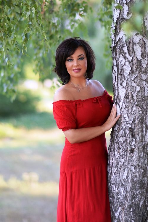 Online dating with Russian women over forty years old